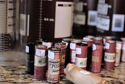 Aparecen en buen estado 31 rollos de película usados por un soldado durante la Segunda Guerra Mundial