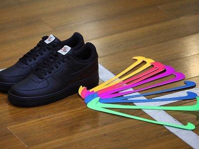 Para combinarlos como quieras: Nike presenta unos sneakers con detalles de velcro intercambiables