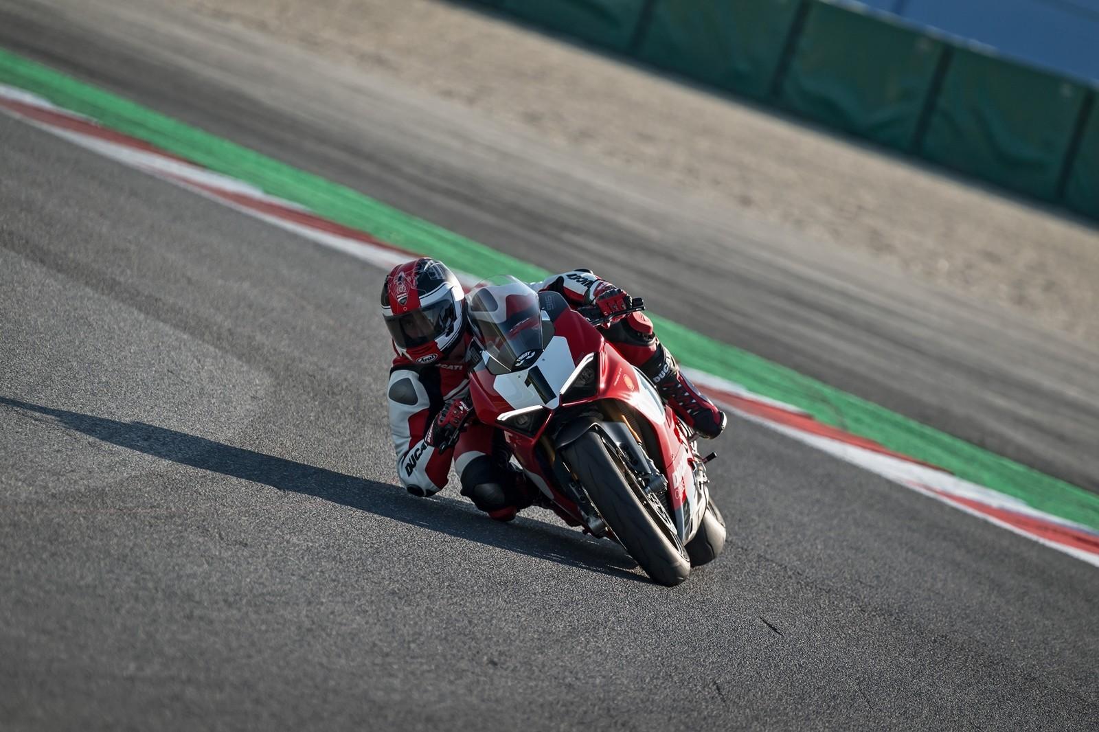 Foto de Ducati Panigale V4 25° Anniversario 916 (13/73)