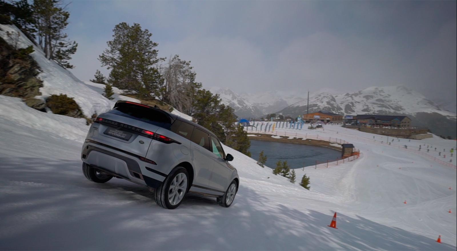 Foto de Curso de conducción en nieve de Jaguar Land Rover (20/28)