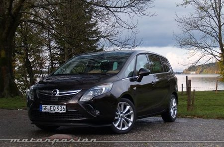Opel-Zafira-Tourer-03