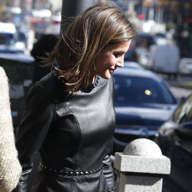 Doña Letizia Ortiz pone el peplum de moda de nuevo (en versión punk)