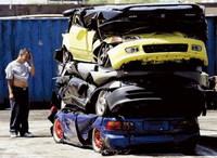 En California envían al desguace a los coches que participen en carreras ilegales y tengan piezas robadas