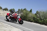 Ducati Monster 1200, prueba (conducción en circuito -breve-, autopista y pasajero)