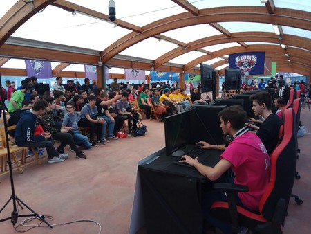 Así fueron las finales presenciales de Clash Royale y League of Legends de IESports ACBNext en Madrid