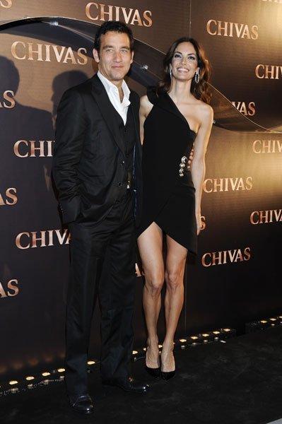 El look de Eugenia Silva de fiesta en Madrid: apúntate a los vestidos de escote asimétrico
