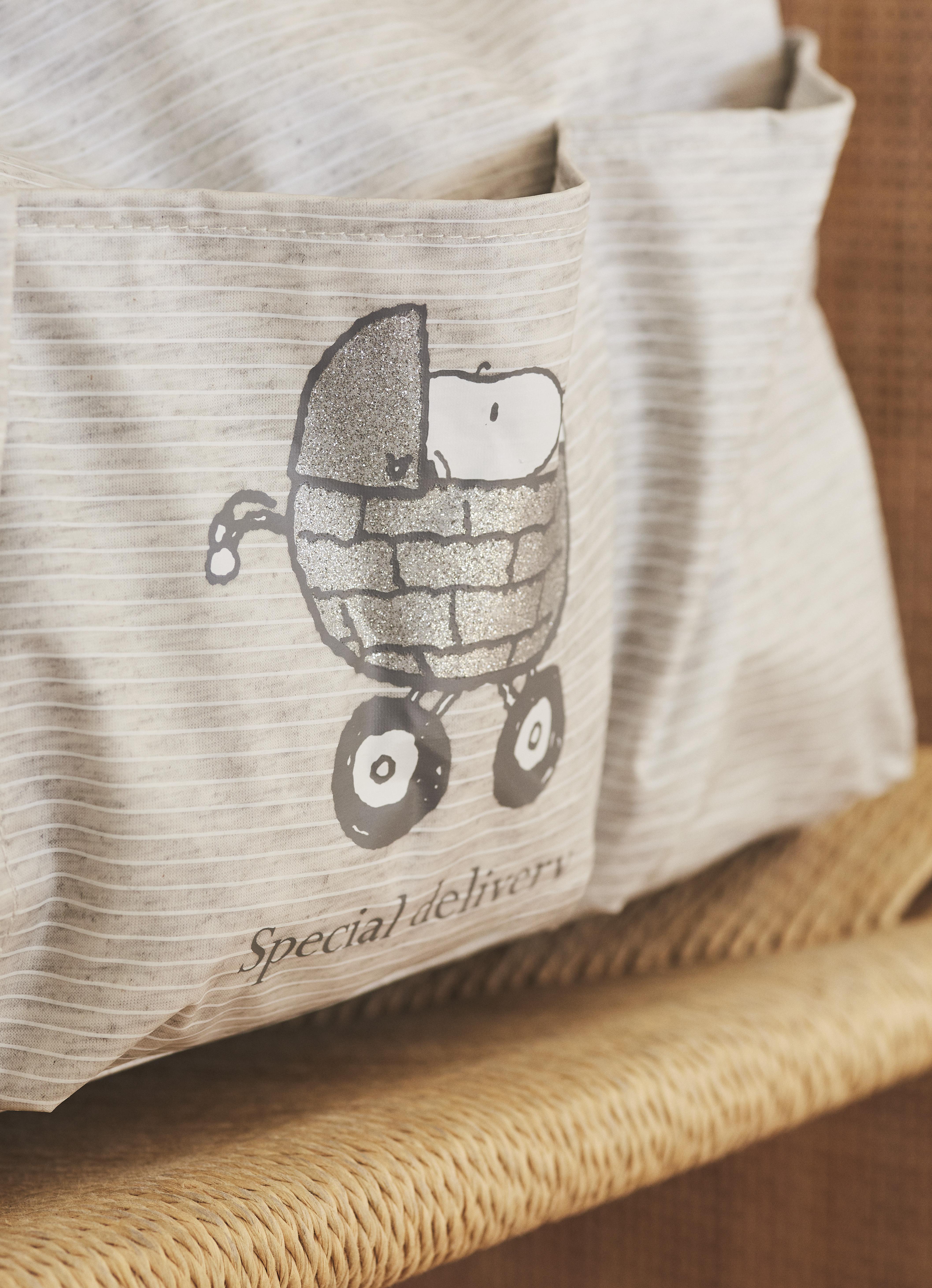 Bolso Maternity de rayas y con detalle de Snoopy