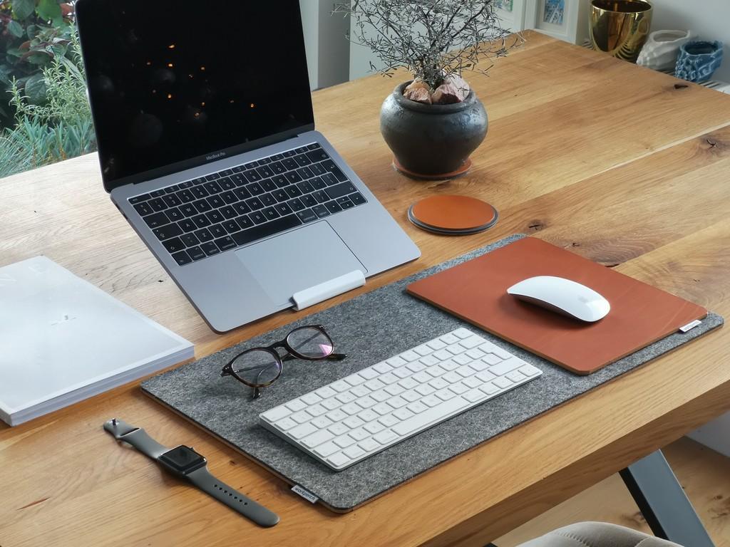 Mantén el calor a raya de tu MacBook en verano: guía de compra de bases refrigerantes