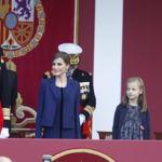 Doña Letizia pasa desapercibida al elegir el color azul. ¿Demasiado sobria el Día de la Fiesta Nacional?