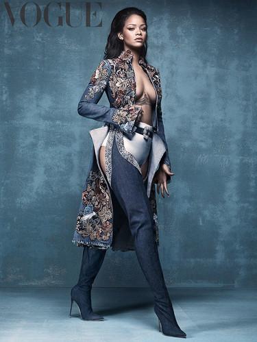 Rihanna mueve ficha: de Puma a Manolo Blahnik sin pasar por la casilla de salida