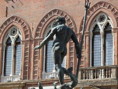 Facebook pide perdón por censurar una estatua renacentista de Neptuno