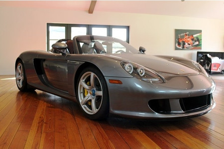 ¿Buscando un Porsche Carrera GT km 0? Aquí hay uno