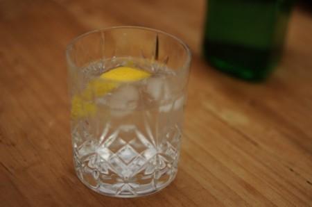Half gin tonic