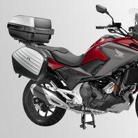 Maletas, top case y caballete por 8.200 euros para la Honda NC750X 2019