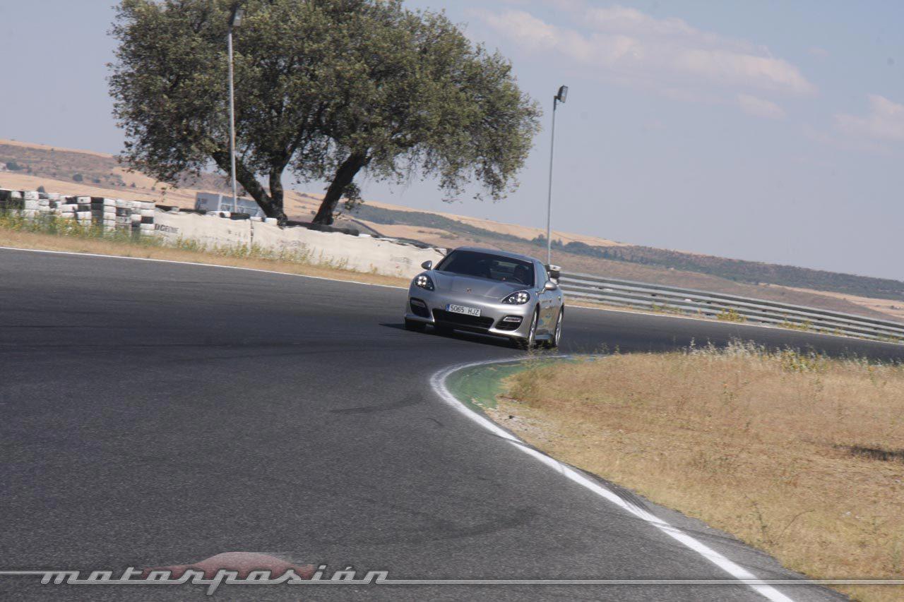 Foto de Porsche Panamera GTS (Prueba) (104/135)