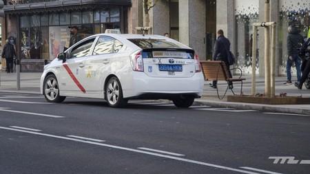 La guerra del taxi traslada el campo de batalla a la sede del Partido Popular, y durante la tarde por todo Madrid
