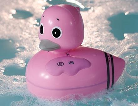 Pato-radio para el baño