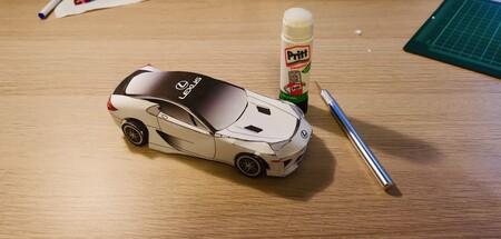 El Lexus LFA puede ser tuyo sí tienes una impresora, tijeras y pegamento