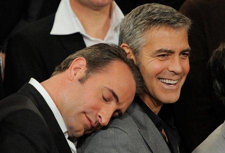Jean Dujardin y George Clooney en una imagen de los Oscar 2012