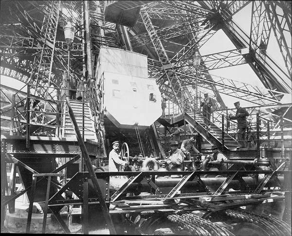Tour Eiffel Ascenseur