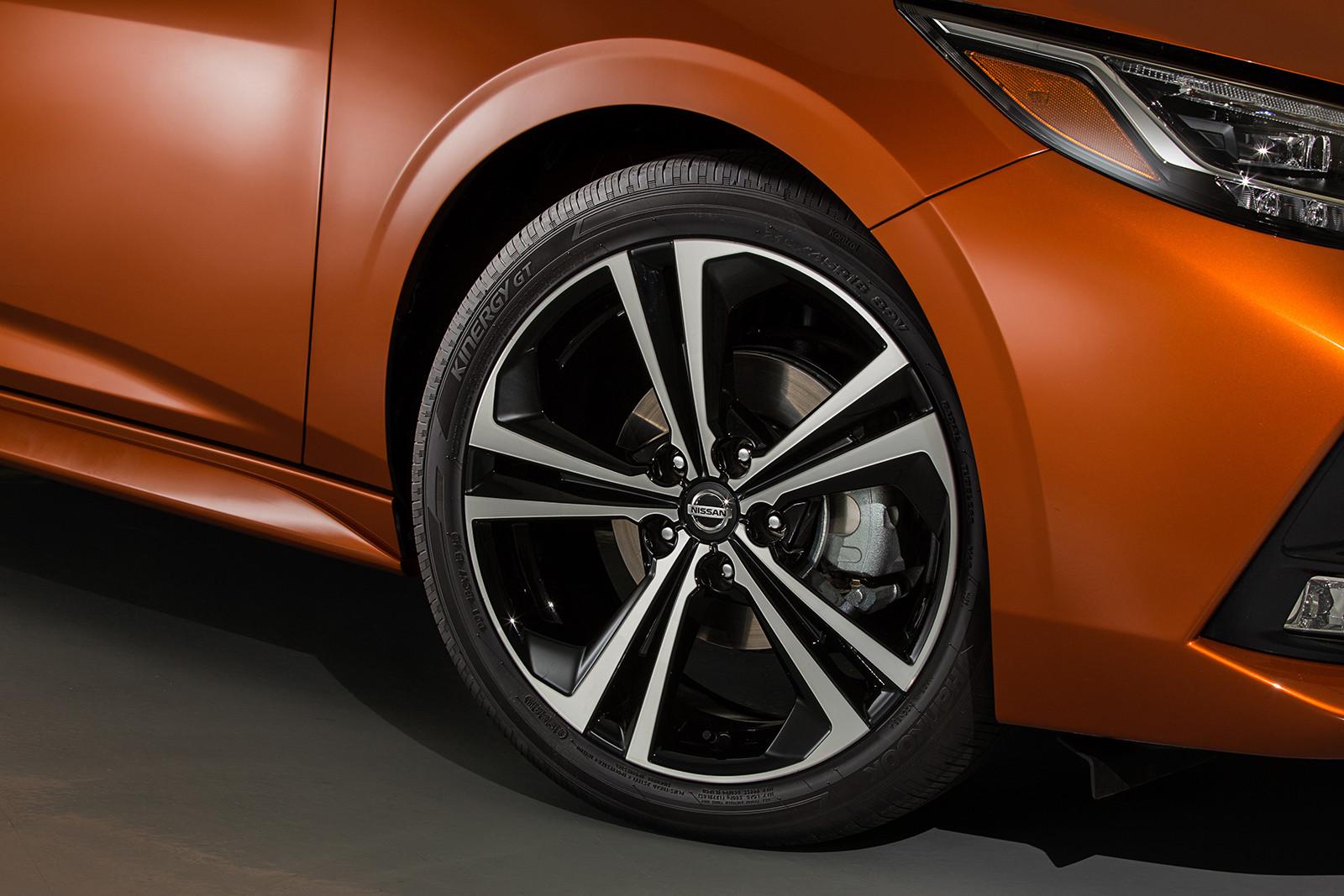 Foto de Nissan Sentra 2020 (28/44)