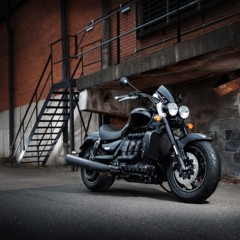 triumph-rocket-x-limited-edition-y-la-thunderbird-nightstorm-special-edition