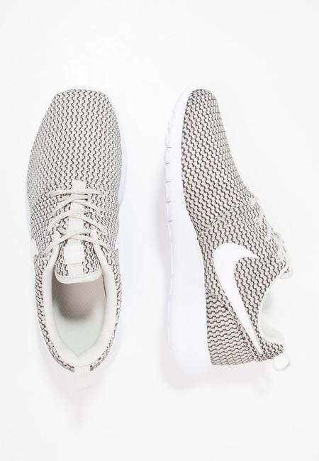 60% de descuento en las zapatillas Nike Roshe One, ahora por sólo 25,95 euros y envío gratis