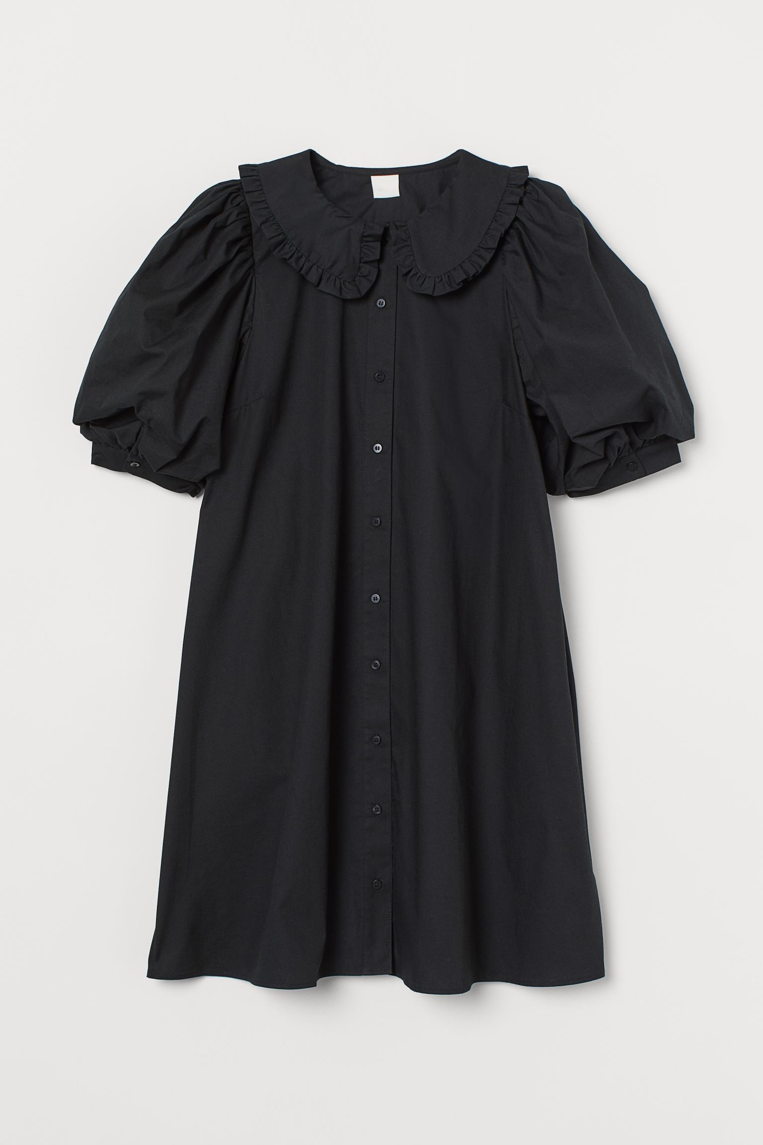Vestido negro con cuello bobo