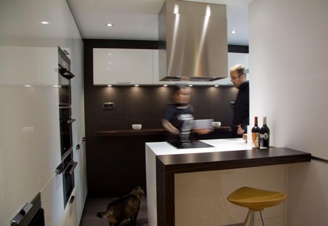 Foto de Aprovechar zonas de paso, una buena solución para amueblar cocinas pequeñas (5/5)
