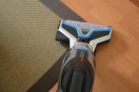 Probamos CrossWave de Bissell, el primer dispositivo capaz de aspirar, fregar y secar en una sola pasada.