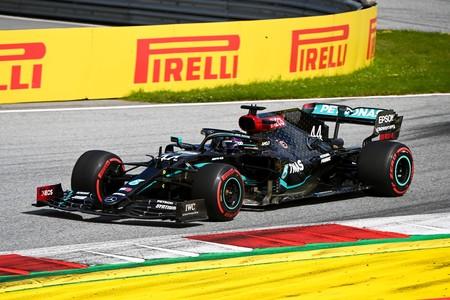 Lewis Hamilton lidera el doblete de Mercedes y Carlos Sainz consigue su primera vuelta rápida en Fórmula 1