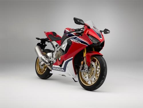 195 kg, 190 cv y hasta las cejas de electrónica, así son las Honda CBR1000RR Fireblade SP y SP2