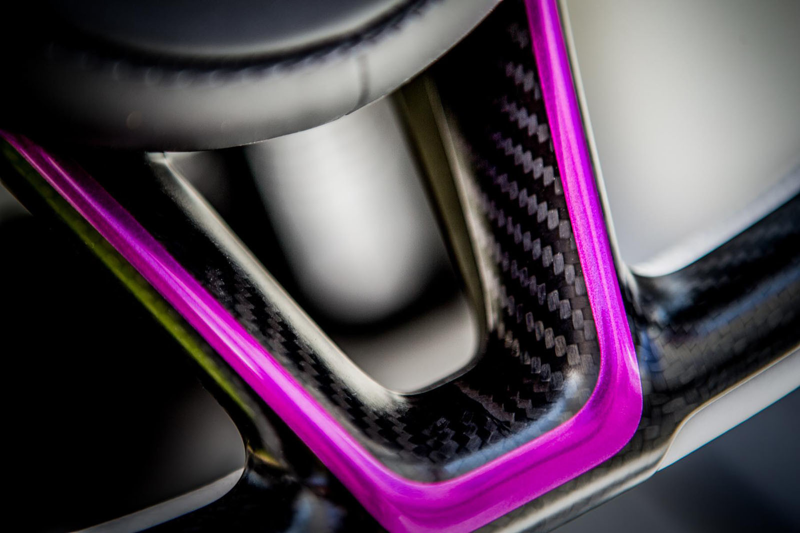 Foto de McLaren 720S fuxia (8/8)