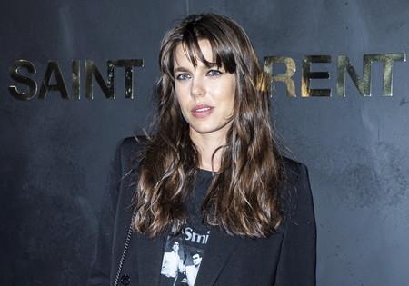 Carlota Casiraghi, Kate Moss y Cindy Crawford destacan entre los rostros conocidos que han asistido al desfile de Saint Laurent