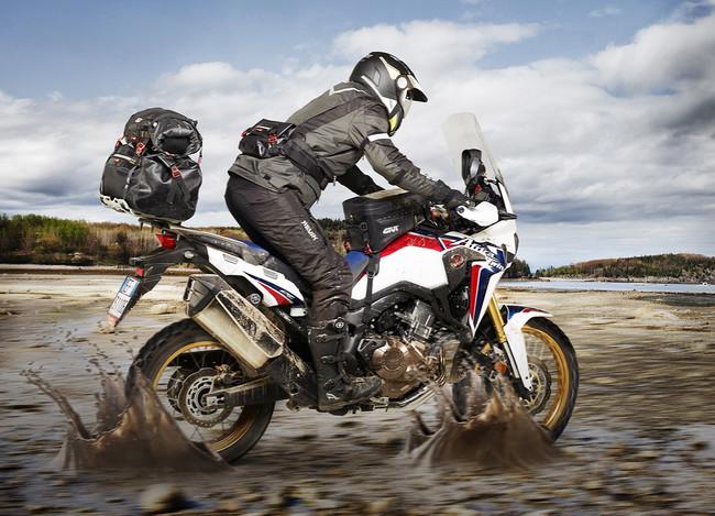 ¡Vade retro! Las bolsas Givi Gravel-T mantendrán lejos al agua y al barro en tus aventuras