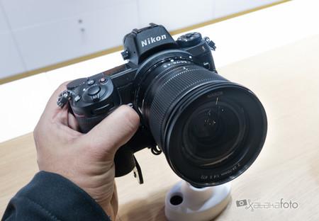 Nikon Z Toma Contacto