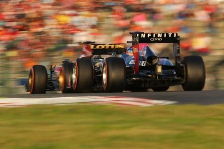 Sebastian Vettel ataca a Romain Grosjean