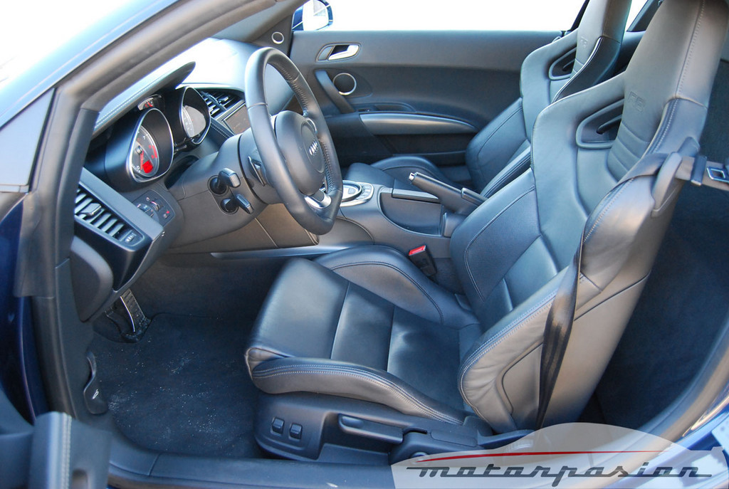Foto de Audi R8 4.2 FSI R tronic (prueba) (25/50)