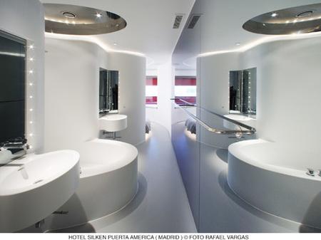 hotel puerta América - ron arad - baño