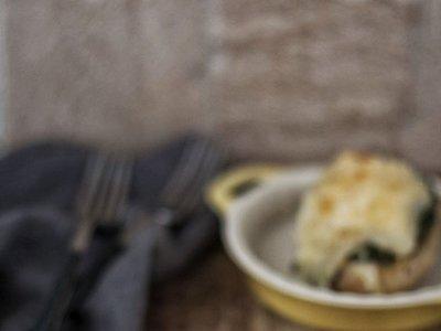 Patatas rellenas de acelgas y queso. Receta de guarnición para lucirse