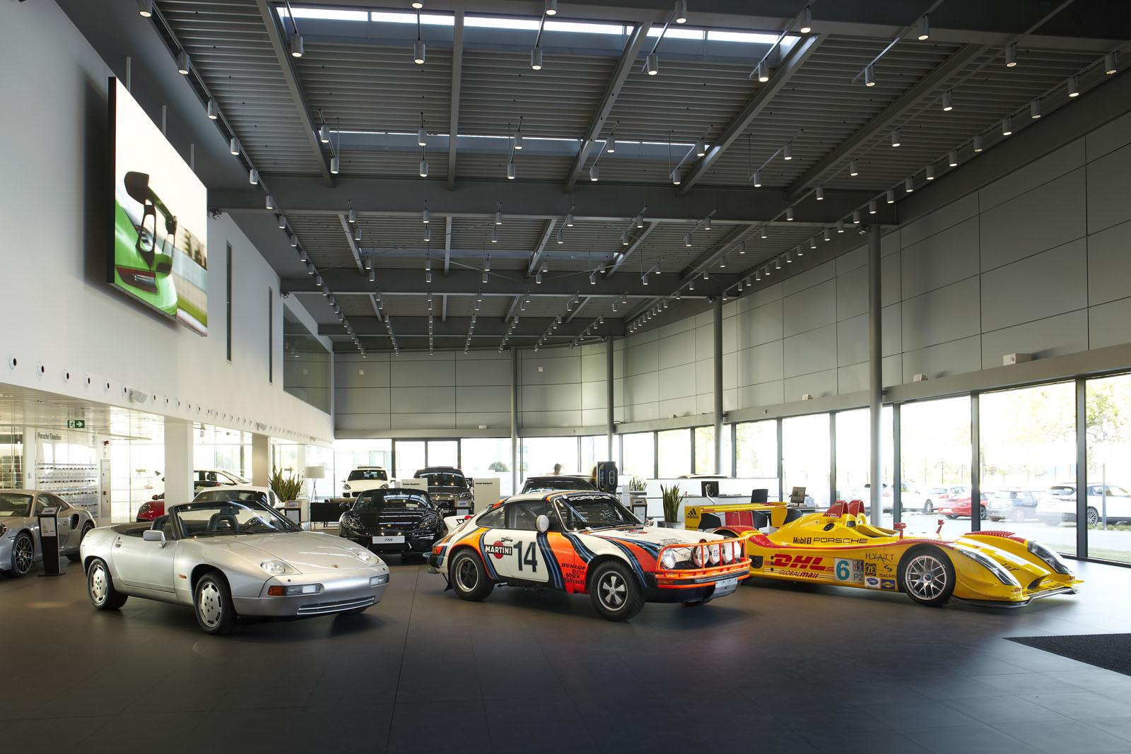 Foto de Centro de Experiencias Porsche Madrid Norte (14/16)