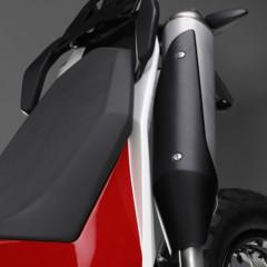 Foto 13 de 18 de la galería husqvarna-concept-strada-polivalencia-y-entretenimiento-para-2012 en Motorpasion Moto