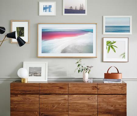 El televisor The Frame de Samsung ahora ofrece acceso a nuevas imágenes para mejorar su integración en la decoración de casa