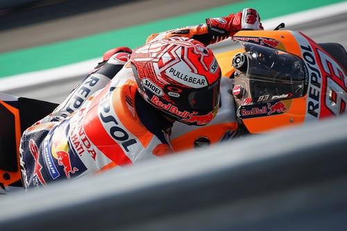 """Marc Márquez se impone por dos milésimas a Dovizioso y Lorenzo en """"Ducati's Land"""" con las Yamaha muy atrás"""