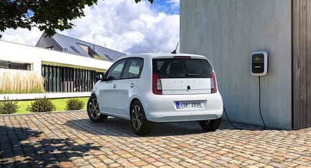 Škoda CITIGOe iV: el primer coche eléctrico de la casa promete 261 km de autonomía a un precio muy asequible