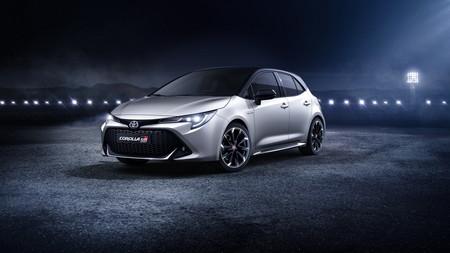 Toyota Corolla GR Sport se disfraza de hot-hatch con corazón híbrido