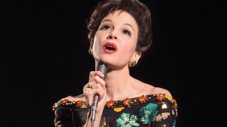 Renée Zellweger se convierte en Judy Garland para regresar al cine por la puerta grande (puedes comprobarlo tú misma en el tráiler del biopic de la artista)
