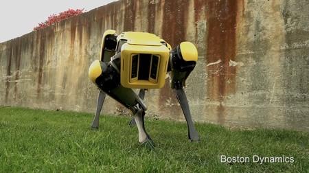 'SpotMini', el perro robot mascota de Boston Dynamics, se renueva con mayor agilidad y nuevos ¿colores?