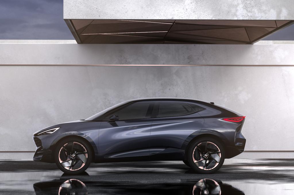 CUPRA Tavascan: el primer coche eléctrico de la marca española será un SUV deportivo con 450 km de autonomía y pantalla de 13 pulgadas