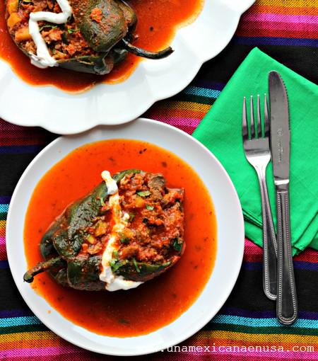 Chiles Rellenos De Picadillo Vegetariano